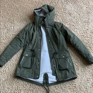Olive green winter coat from hollister